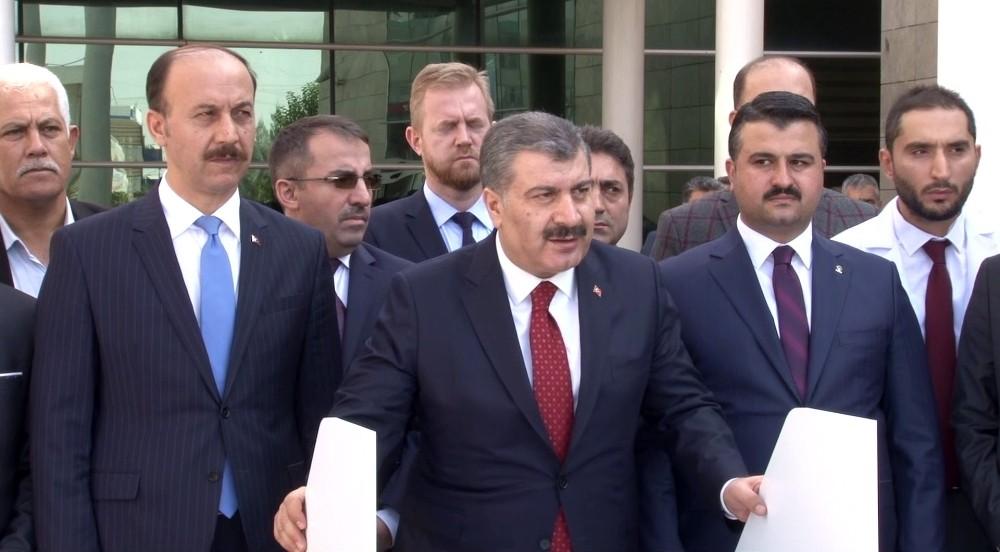 Sağlık Bakanı Fahrettin Koca sınırdaki sağlık hizmetlerini anlattı
