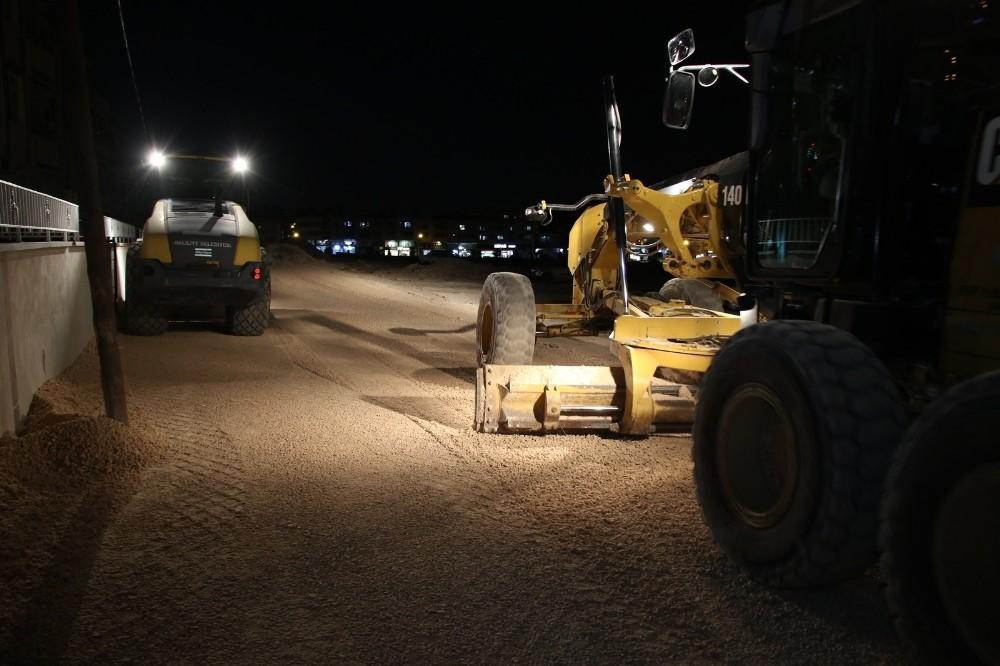 Ahmet Yesevi'de yol yapımı sürüyor