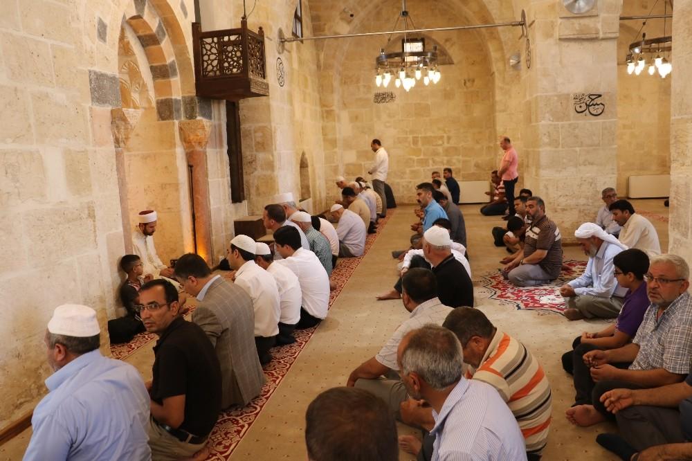 Sonunda Pazar Camisi ibadete açıldı
