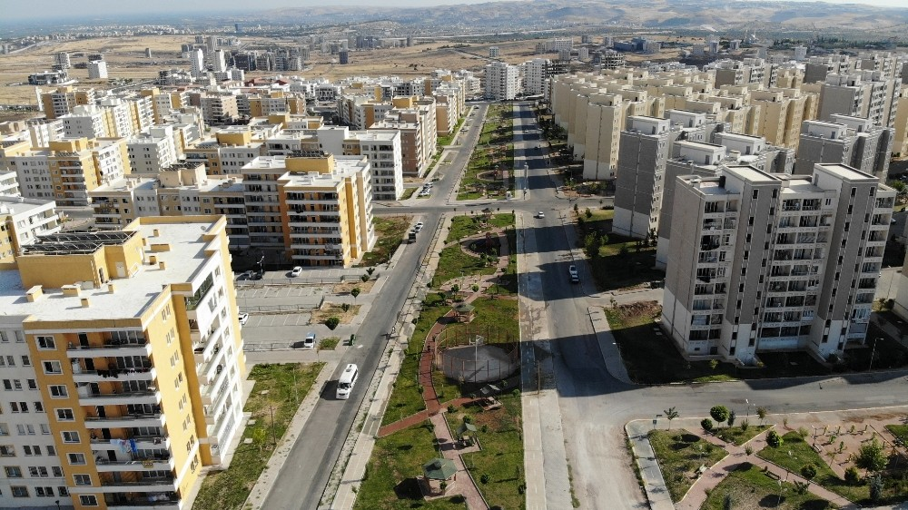 Karaköprü'ye modern park kazandırıldı