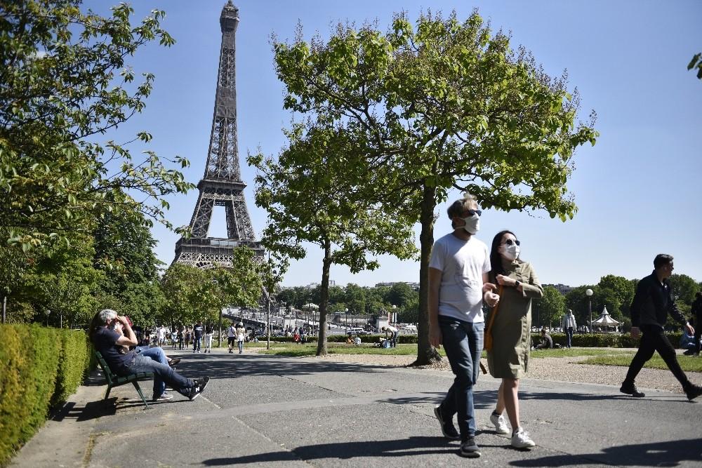 Fransa'da son 24 saatte korona virüsten 483 ölüm