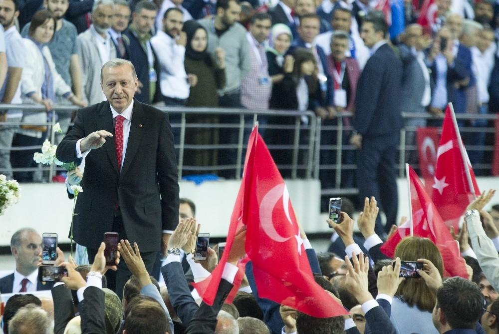 Erdoğan, Seçim Bildirgesini Açıkladı.