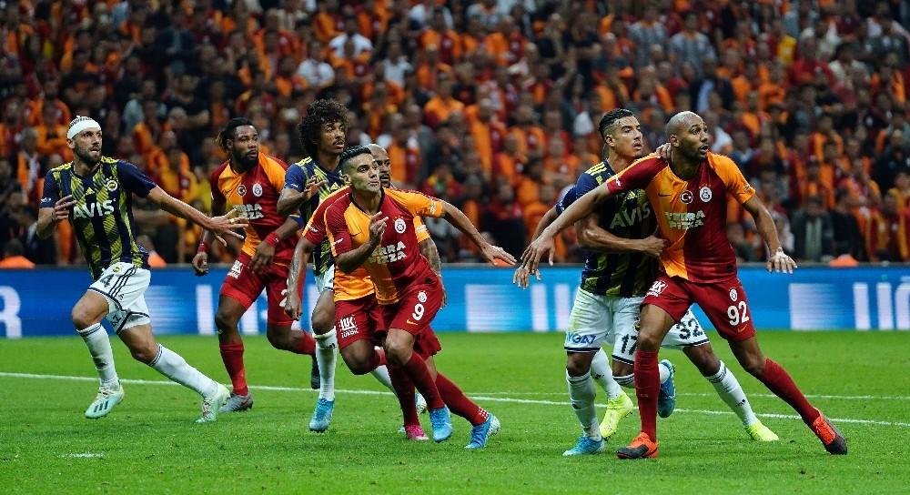 Galatasaray'ın Fenerbahçe galibiyeti hasreti 7 maça çıktı