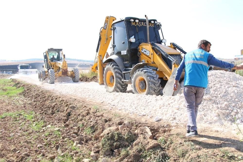Haliliye kırsalında yol yapım çalışmaları devam ediyor