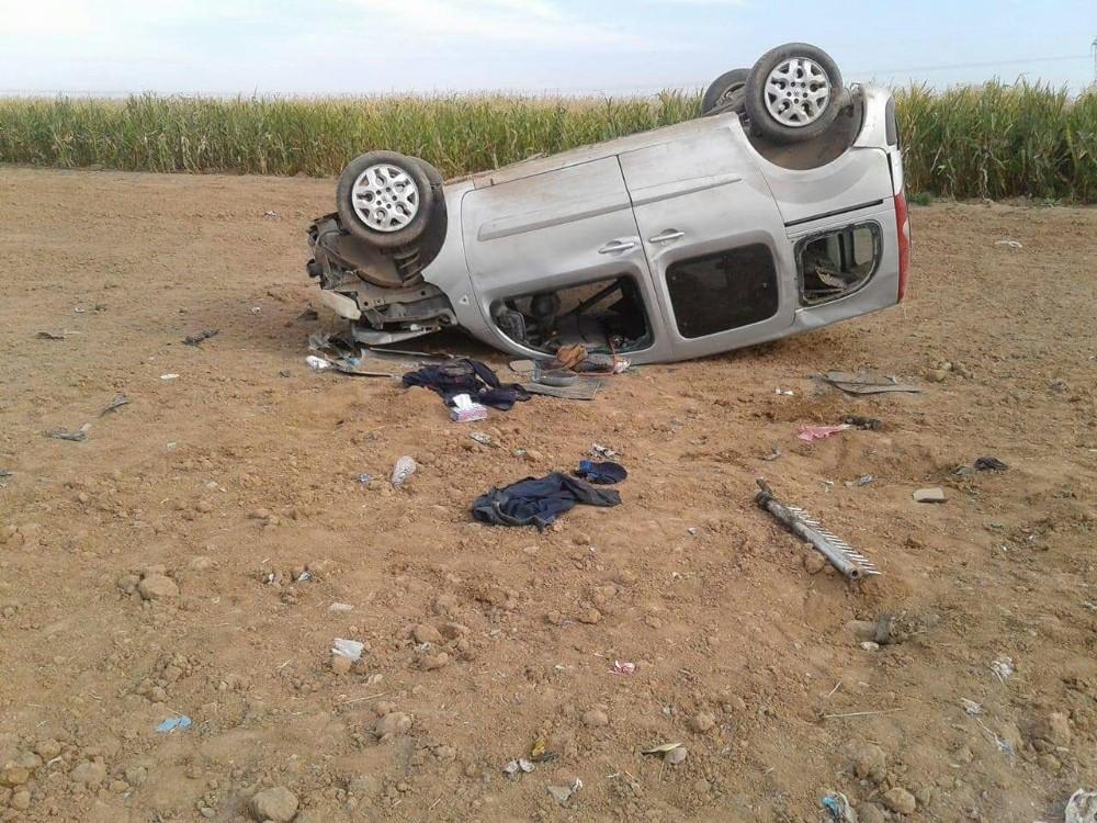 Takla atan ticari araçtaki 3 kişi yaralandı