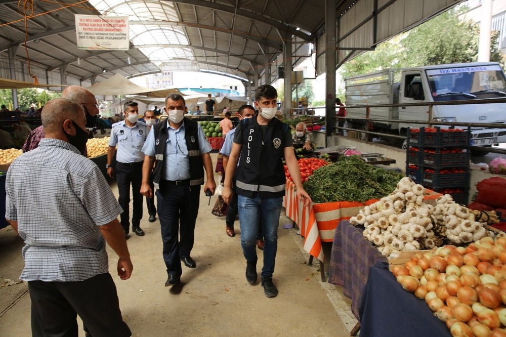 Haliliye'de ekipler maske denetimine çıktı