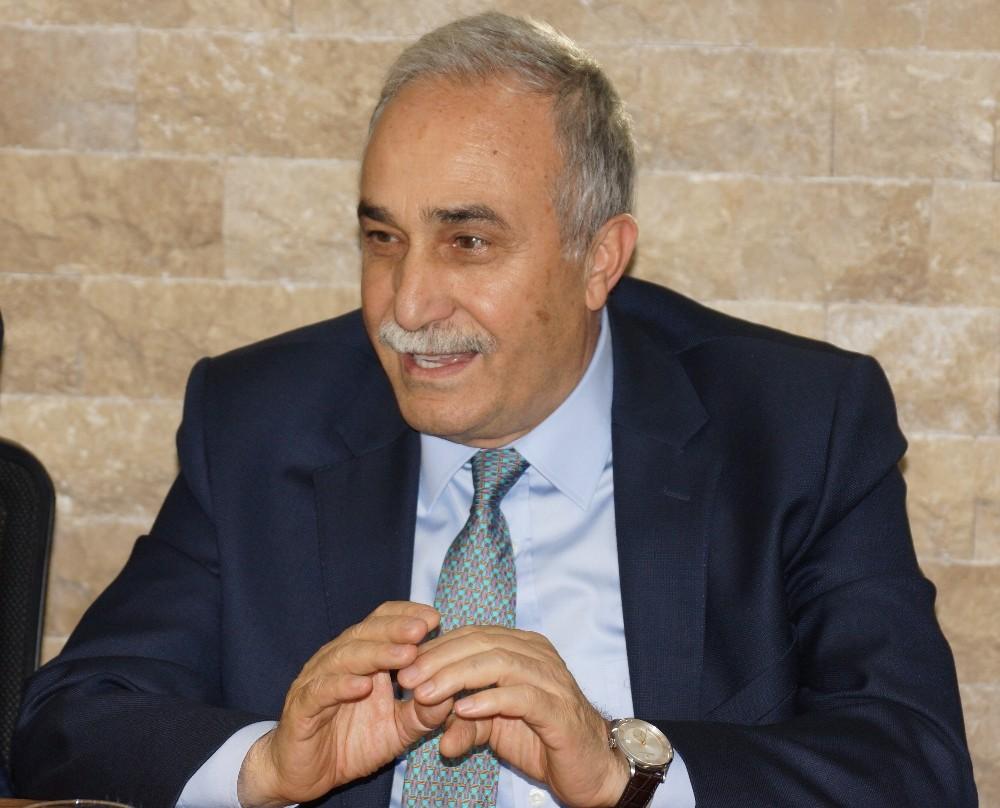 """Bakan Fakıbaba: """"Biz daha çok çalışırsak bütün Türkiye kazanacak"""""""