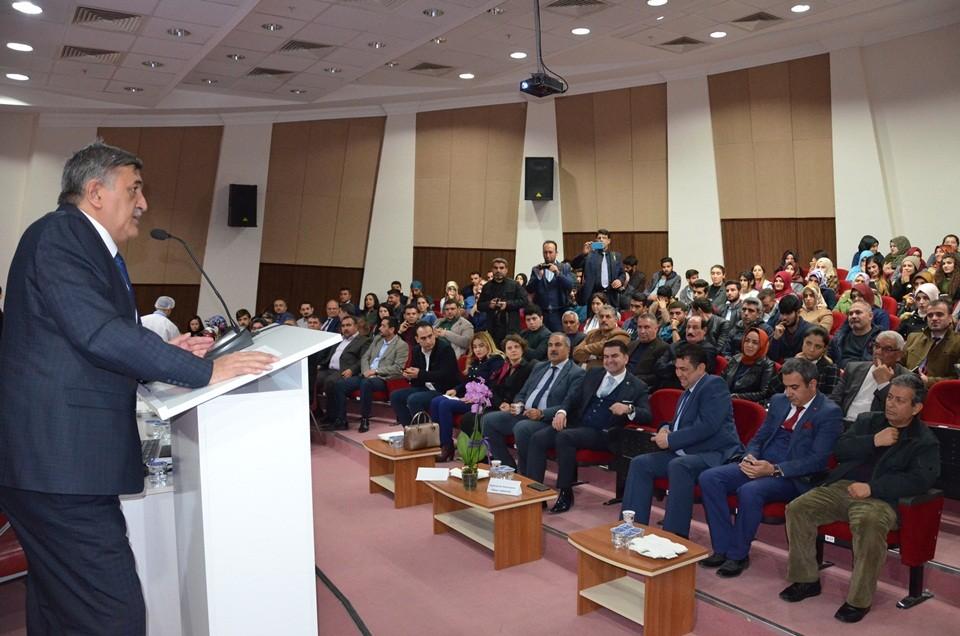 Viranşehir'de akılcı antibiyotik kullanımı konferansı gerçekleştirildi