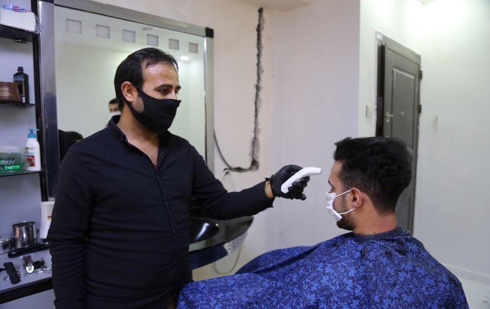 Eyyübiye'de berber ve kuaförler dezenfekte edildi