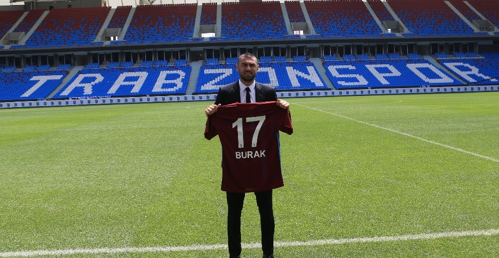 Trabzonspor, Burak Yılmaz ile 3 yıllık sözleşme imzaladı