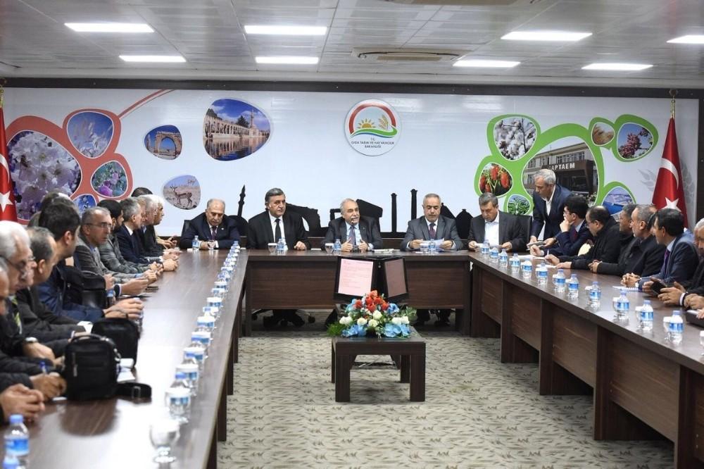 Çiftçilerin sorunları Şanlıurfa'da masaya yatırıldı