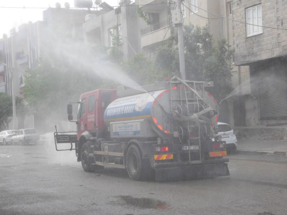 Haliliye'de cadde ve sokaklar yıkandı