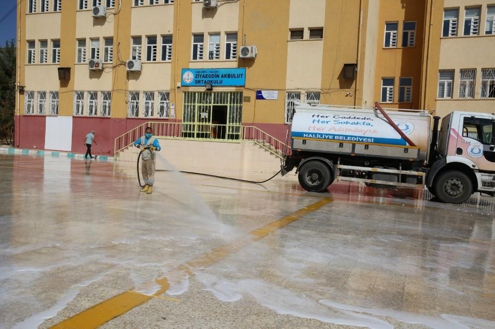 Haliliye'de okullarda dezenfekte çalışmaları