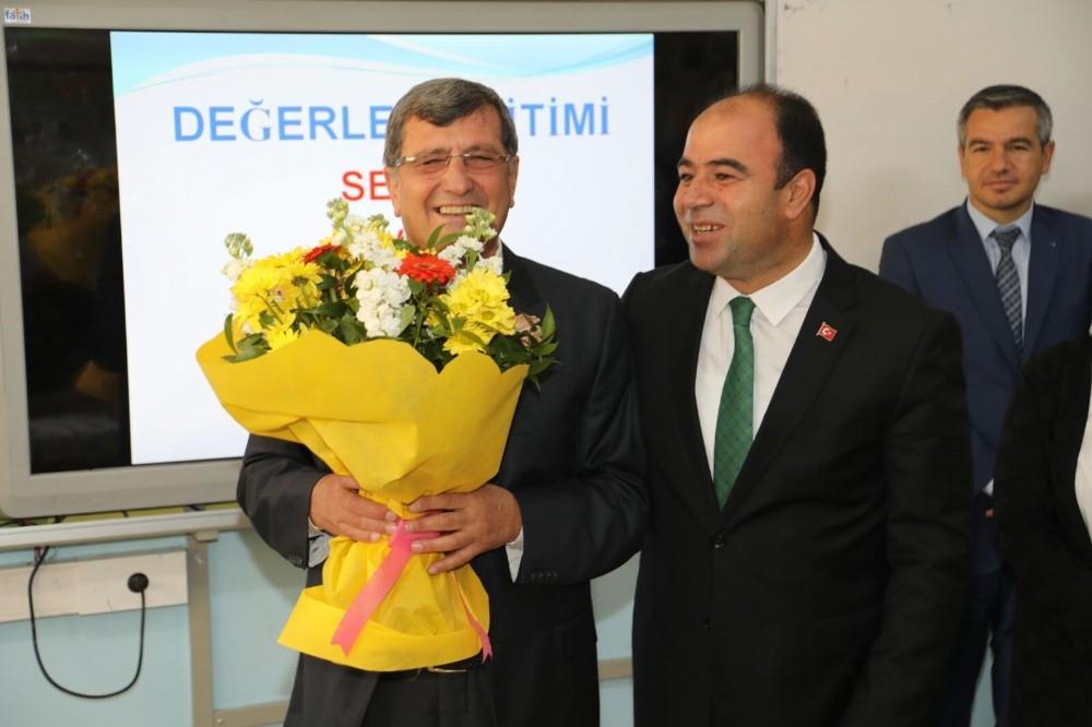Belediye Başkanı Nihat Çiftçi, ilkokul öğretmeni ile buluştu