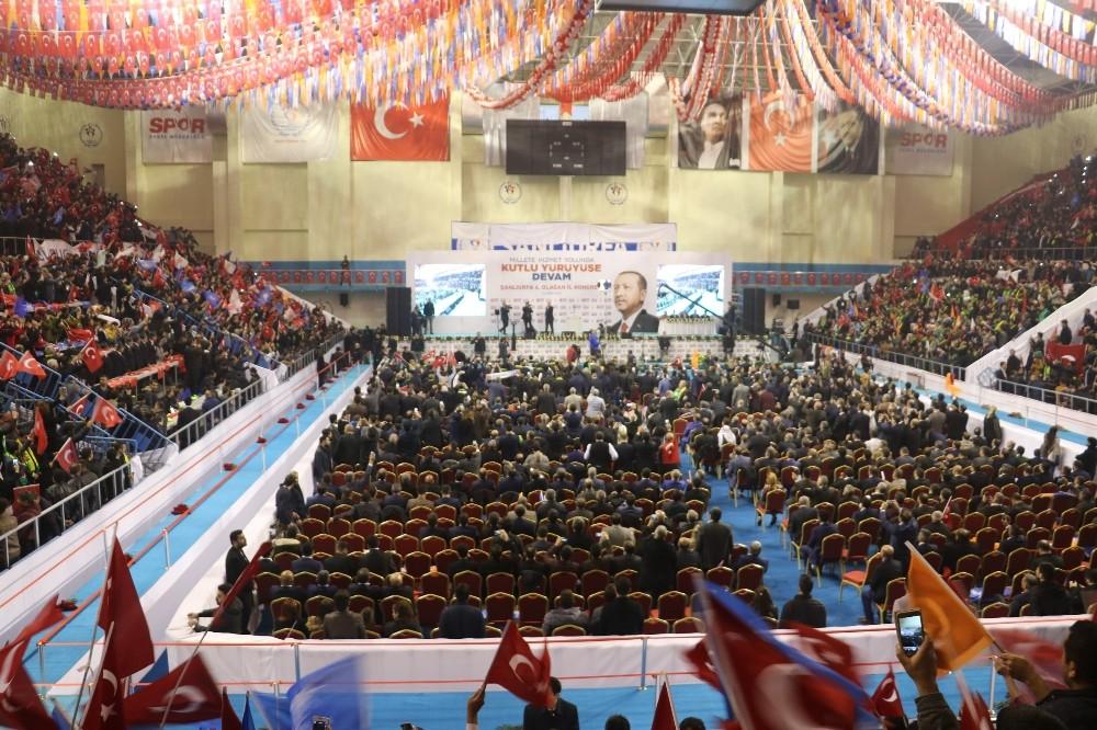 AK Parti Şanlıurfa'da eski başkanla devam dedi