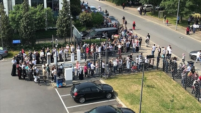 Almanya'daki Seçim Sandıklarında Uzun Kuyruklar Oluştu
