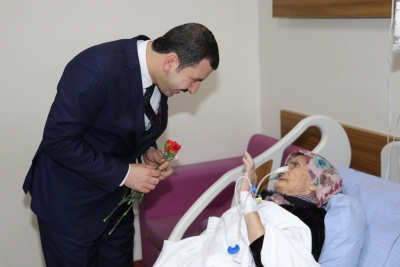 Başkan Adayı Baydilli'den  Hastalara 'Geçmiş Olsun' Ziyareti