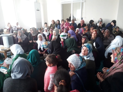 Başkan Aksoy'un Eşi Şehitlerimizi Unutmadı