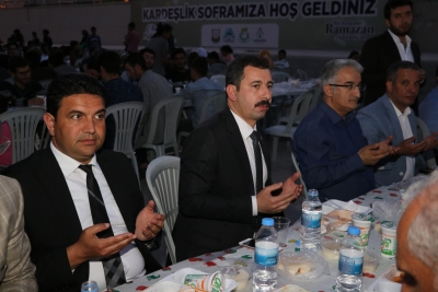 Başkan Baydilli Kardeşlik Sofrasında Vatandaşlarla İfrar Açtı