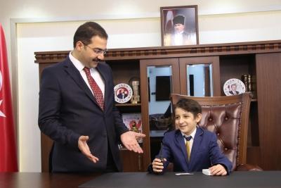 Başkan Canpolat Makamını Muhammet Eray'a Devretti