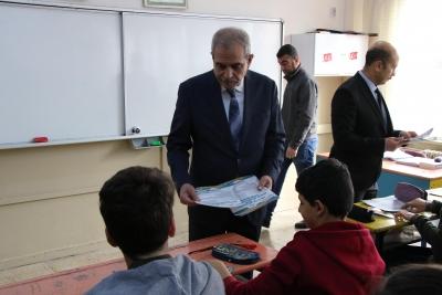 Başkan Demirkol Gençlerin Eğitimine Katkı Sağlıyor