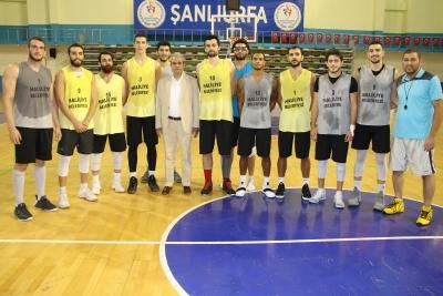Başkan Demirkol'dan Basketbol Takımına Destek Ziyareti