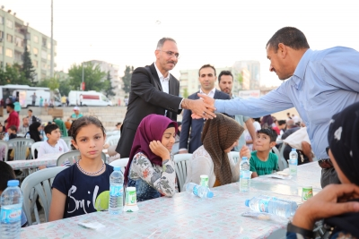 Başkan Kuş Kardeşlik Sofrasında Vatandaşlarla Buluştu