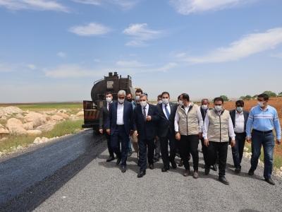 Başkanlar Göbeklitepe güzergahındaki asfalt çalışmalarını inceledi