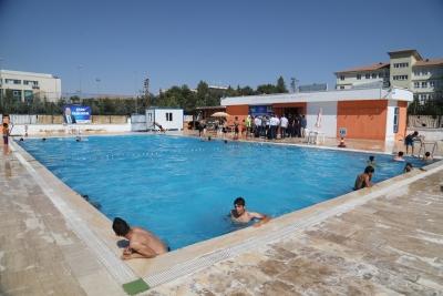 Büyükşehir Yüzme Havuzlarına Yoğun İlgi