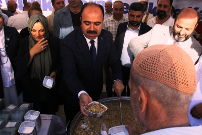 Büyükşehir'den 20 Bin Vatandaşa Aşure ikramı