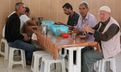Büyükşehir'den Hasta Yakınlarına Sıcak Çorba İkramı