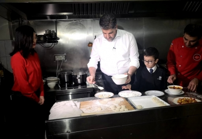 Çin / Pekin Büyükelçimiz Önen, Türk yemeklerini tanıttı;
