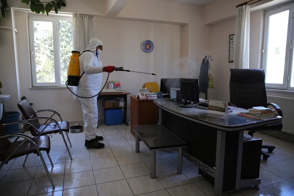 Haliliye'deki aile sağlığı merkezleri dezenfekte ediliyor