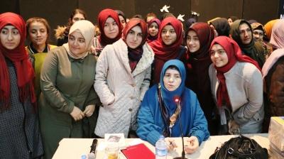 Emine Şenlikoğlu Konferansı İlgi Gördü