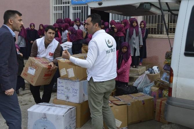 Hilvanlı öğrenciler Halep için yardım topladı