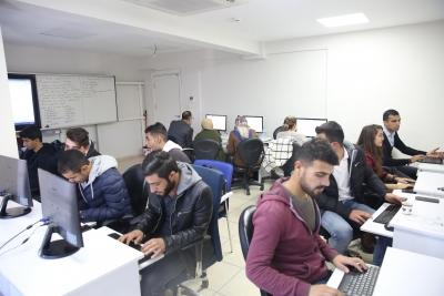 Gençler Haliliye Belediyesi İle Teknoloji Çağına Uyum Sağlıyor