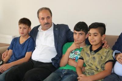 Halil Özcan Kimsesiz Çocukları Ziyaret Etti