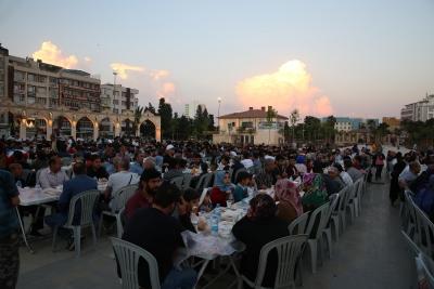 Haliliye Belediyesi İftarda Hasta Yakınlarının Yanında Oluyor