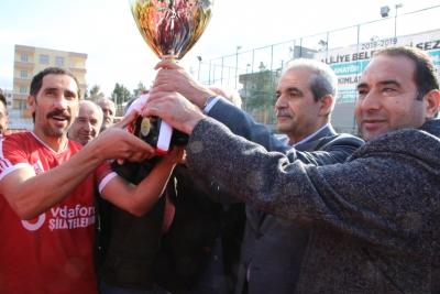 Haliliye Belediyesi Amatör Lig Şampiyonuna Başkan Demirkol Kupasını Verdi
