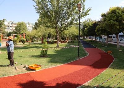 Haliliye Belediyesi Parklara Spor Alanları Yapıyor