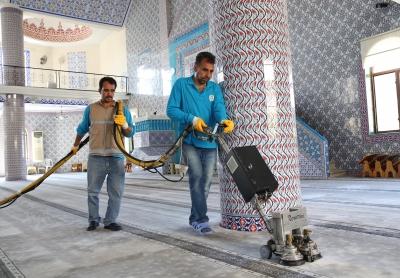 Haliliye Belediyesi, İbadethaneleri Bayrama Hazırlıyor