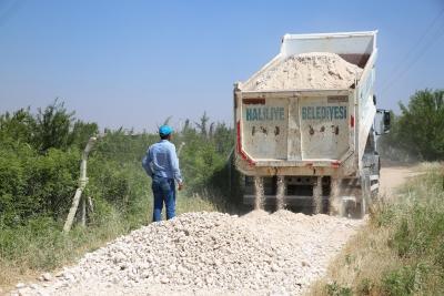 Haliliye Belediyesin'den 4 Kırsal Mahallede Yol Yapım Çalışması
