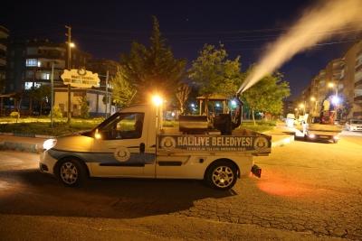 Haliliye Belediyesin'den İlaçlamada Gece Mesaisi