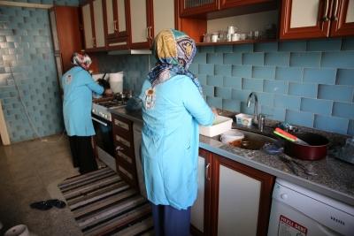 HALİLİYE, 'SOSYAL BELEDİYECİLİK' İLE GÖNÜLLERE DOKUNUYOR