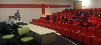 Harran Üniversitesi BESYO'da Futbol Antrenörlük Kursu Başladı