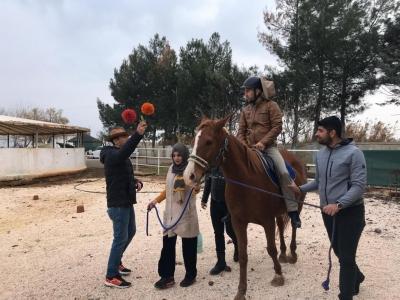 Harran Üniversitesi'nde Atlı Terapi Antrenörlük Eğitimi Düzenlendi
