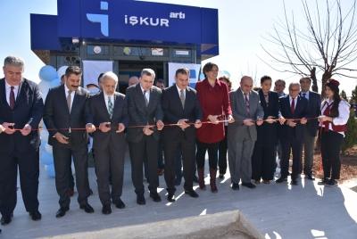 Harran Üniversitesi'nde İŞKUR Artı Hizmet Noktası Açılışı ve Kariyer Günü Etkinliği Gerçekleştirildi