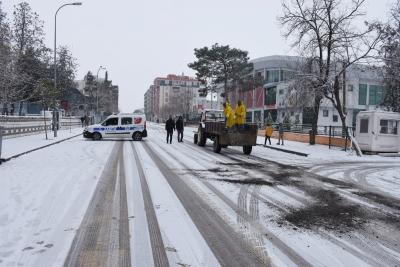 Hilvan'da karla mücadele çalışmaları