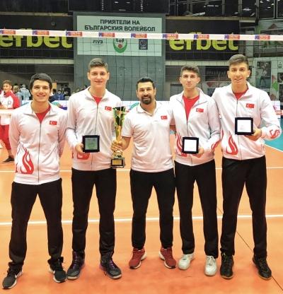 HRÜ Öğretim Üyesinin Çalıştırdığı Takım, Avrupa Şampiyonası Finallerine Adını Yazdırdı
