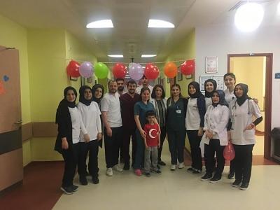 HRÜ Sağlık Bilimleri Fakültesi, 23 Nisanda Hastanede Yatan Çocukları Unutmadı